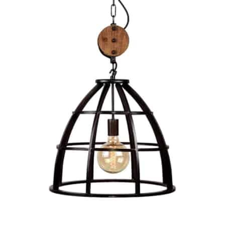 Hanglamp Lift van LABEL51 is een prachtige stalen lamp voorzien van een decoratieve houten katrol.