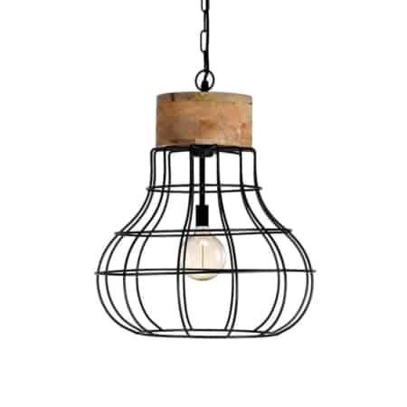 Hanglamp Drop van LABEL51, uitgevoerd in de kleur zwart is een robuuste lamp met een stoere touch. Zijn naam zegt het al; een speelse metalen druppel hangend aan een solide ketting. Hanglamp Drop vormt een in het oog springend item die een interieur lekker veel karakter geeft.