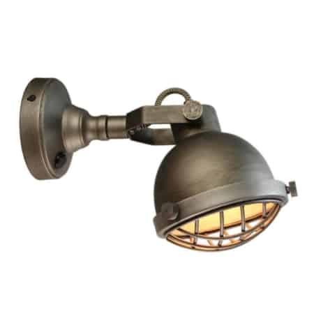 Wandlamp Cas van LABEL51 is een stoere lamp met retro accenten. De metalen korf en robuuste bouten zorgen voor een extra stoere touch en geven wandlamp Cas een industrieel karakter.