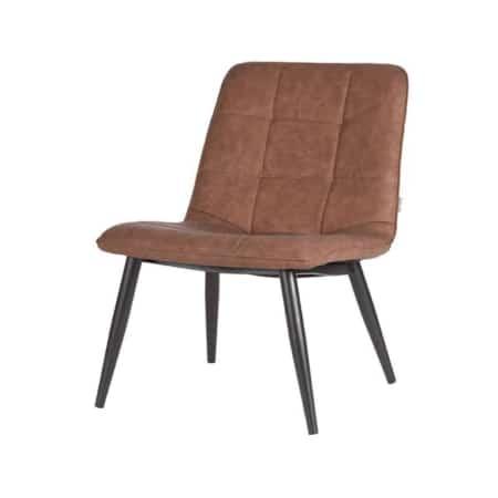 Fauteuil James van LABEL51 is een stoere, strakke fauteuil voorzien van een groot opgezet blokstiksel. James is uitgevoerd in bruin PU en heeft een prettig zitcomfort.