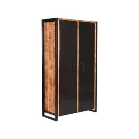 2-deurs kast Brussels van LABEL51 is met zijn ruwe mango houten oppervlaktes en super handige opbergvakken een functioneel en stoer meubel en zal een waar pronkstuk zijn in huis.