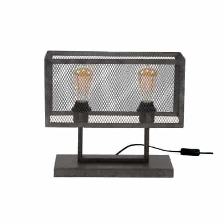 Dezetafellamp is uitgevoerd in metaal met een oud zilver finish.