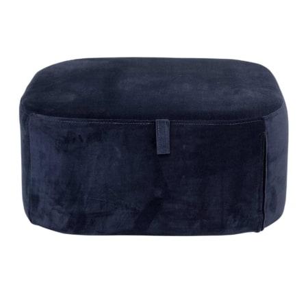 Deze leuke poef van het Scandinavische merk Bloomingville is gemaakt van een mooie velvet stof in een diepblauwe kleur. Handig, de hoes is wasbaar op 30 graden.