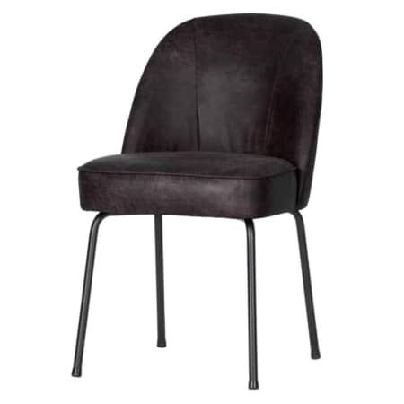 Deze Vogue eetkamerstoel komt uit de collectie van het Nederlandse merk BePureHome. De stoel is bekleed met 70% leer met een toplaag van 30% polyester