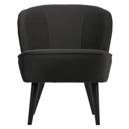 De WOOOD fauteuil Sara is een prachtige stoel met zwart gelakte berkenhouten poten en een comfortabele zit.