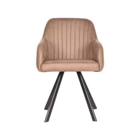 De eetkamerstoel Floor van het merk LABEL51 kenmerkt zich door zijn robuuste uitstraling. De Floor is een combinatie van stijl en comfort en steelt de show aan de eettafel.