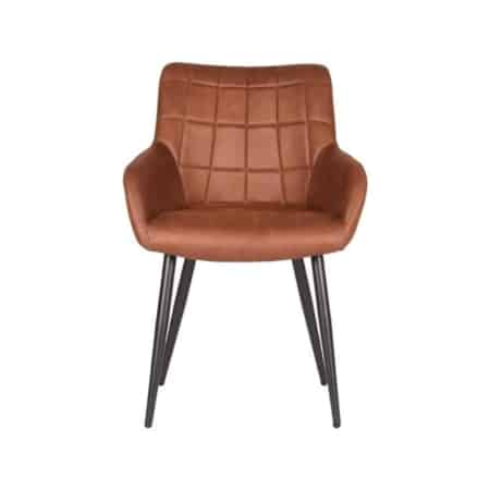 Eetkamerstoel Must van LABEL51 is een robuuste trendy armstoel. Must beschikt over de fijne combinatie van stijl en comfort en steelt de show aan de eetkamertafel. De stoel Must heeft een kuipvormige zitting uitgevoerd in een hoogwaardige microvezel stof.