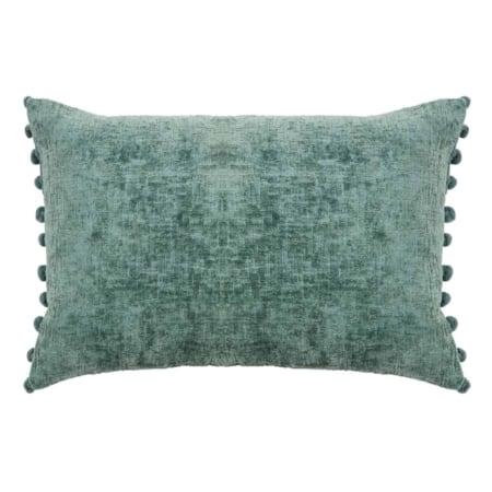 Eros kussen komt uit de collectie van het Nederlandse merk WOOOD. Het kussen is gemaakt van 80 % viscose en 20 % katoen. De voorkant is gemaakt van een velvet stof en aan de zijkant zitten sierlijke velvet pom-poms.