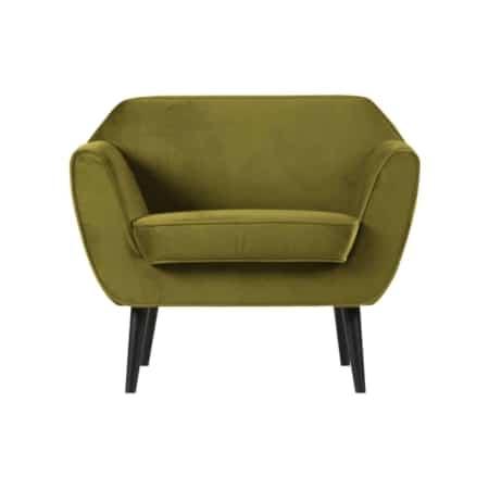 De WOOOD fauteuil Rocco is een prachtige fauteuil met zwart gelakte berkenhouten poten. De fauteuil is gestoffeerd met een 100% polyester fluwelen stof met een comfortabele zit.