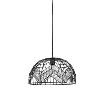 De leuke zwarte hanglamp van de ZES10 Collectie heeft een mooi licht effect.