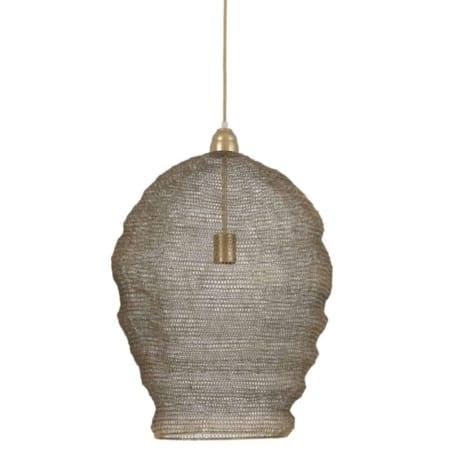 De antiek bras hanglamp uit de ZES10 Collectie geeft een mooi licht effect, dit komt door het patroon op de kap.