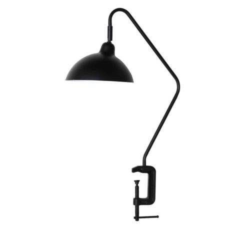 Met de juiste soort verlichting creëer je een passende sfeer in je interieur en leefruimte. Een lamp dient dan ook niet alleen als lichtbron, maar is ook als een accessoire ter aanvulling op jouw interieurstijl. De Orion bureaulamp met klem in het mat zwart kan heel leuk aan de tafel worden vastgezet.