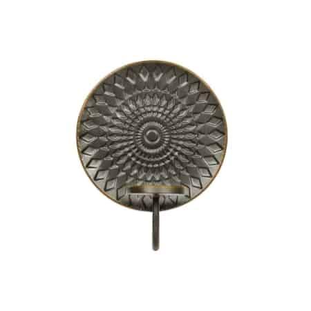 Glare is een decoratieve kaarsenhouder voor aan de wand en komt uit de collectie van het Nederlandse merk BePureHome.