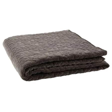 Sprei Geometric washed velvet komt uit de collectie van het Nederlandse merk BePureHome.