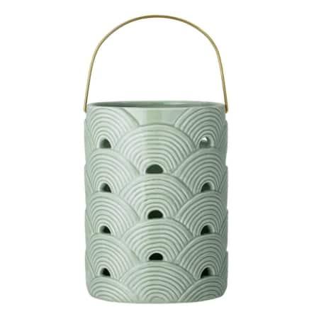 Deze leuke lantaarn van het Scandinavische merk Bloomingville is een mooi accessoire voor in huis. Zet er een mooie kaars in en laat je lantaarn shinen!