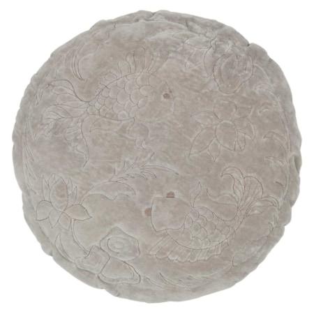Dit ronde Graceful kussen, met een diameter van 45 cm, komt uit de collectie van het Nederlandse merk BePureHome.