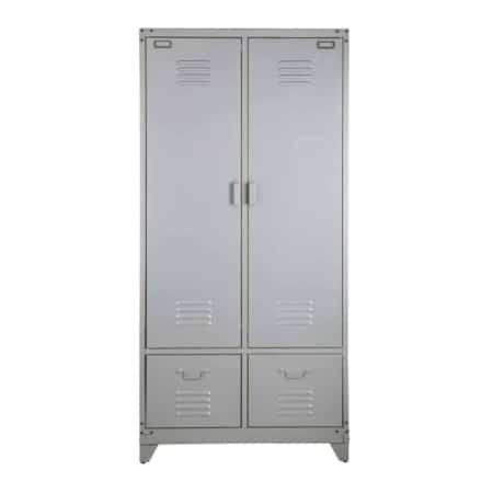 Deze metalen locker kast komt uit de collectie van het Nederlandse merk VTwonen.
