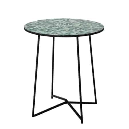 De Sus sidetable van Bloomingville is te leuk om niet te te passen in je interieur. Zet het tafeltje naast je bank of fauteuil. De sidetable Sus zorgt voor meer kleur in je interieur.