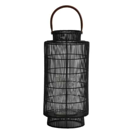 Wauw! Deze rotan lantaarn Teglio heeft een ontzettend puur design.