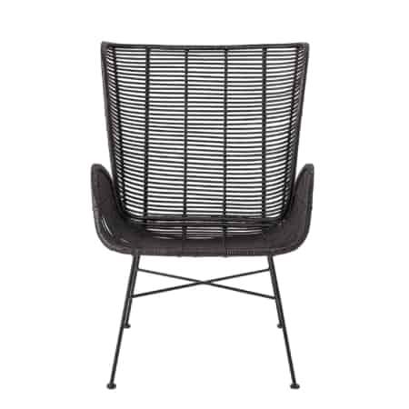Deze heerlijk zittende Erika loungestoel is van het mooie Scandinavische merk Bloomingville. Deze loungestoel met armleuning is gemaakt van rotan en het onderstel is van zwart metaal.