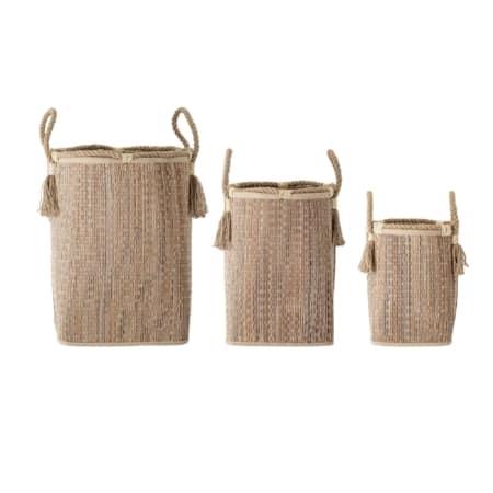 Hoe leuk is deze set van 3 manden van het Scandinavische merk Bloomingville? Naast het opbergen van spullen zijn de manden ook te gebruiken om er mooie planten in te zetten.