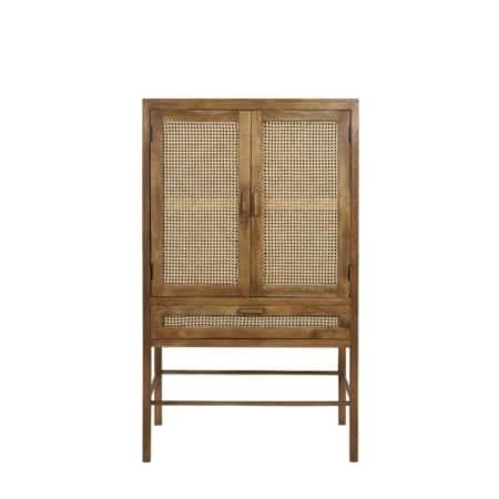Deze stoere opbergkast Nipas uit de ZES10 Collectie staat perfect in een Scandinavisch interieur