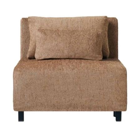 Dit midden element is een prachtige bank van House Doctor in een decadente camel kleur. De bank is te combineren met de andere elementen van House Doctor, maar je kunt hem ook los neerzetten als een fauteuil.