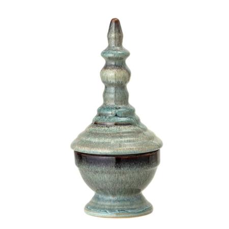 Deze leuke pot met deksel is gemaakt van aardewerk en heeft een mooie blauwe multi kleur. Dit potje staat leuk in de badkamer, slaapkamer of zet hem in de vitrinekast als eyecather! Door de aard van het glazuur en doordat het item met de hand is gemaakt, kunnen er kleurvariaties optreden.