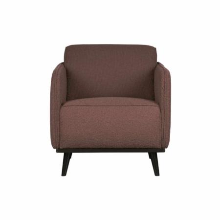 Deze fauteuil Statement uit de collectie van BePureHome is basic, maar valt door de omvang wel op.
