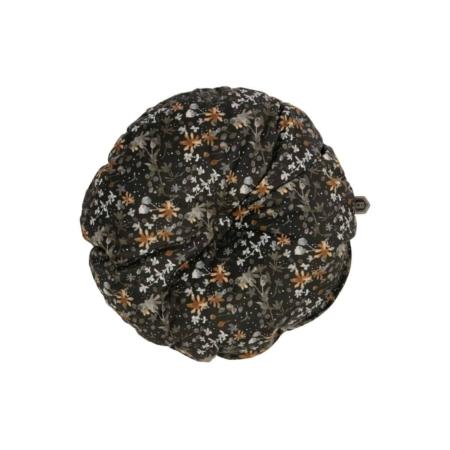 Breng subtiel een print aan in het interieur met dit Vogue kussen aquarel flower zwart. Dit Vogue kussen komt uit de collectie van het Nederlandse merk BePureHome. Het kussen is gemaakt van een velvet stof en heeft een zwarte basiskleur met daarop een prachtige aquarel flower print. Geeft de bank of fauteuil net wat meer pit!