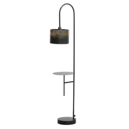 Modern en stoer, dat is deze Blackout vloerlamp komt uit de collectie van het Nederlandse merk BePureHome.