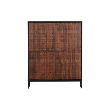 Nuts is een eigentijdse 4 -deurs kast met een authentieke uitstraling en komt uit de collectie van het Nederlandse merk BePureHome.