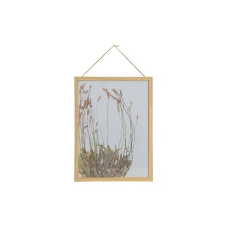 Deze Potpourri fotolijst met bloemen voor aan de wand heeft een rustige en botanische uitstraling en komt uit de collectie van het Nederlandse merk BePureHome