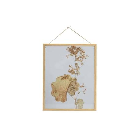 Deze Potpourri fotolijst met bloemen voor aan de wand heeft een rustige en botanische uitstraling en komt uit de collectie van het Nederlandse merk BePureHome.