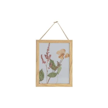 Fleurig en botanisch, dat is deze Potpourri fotolijst met bloemen voor aan de wand uit de collectie van het Nederlandse merk BePureHome.