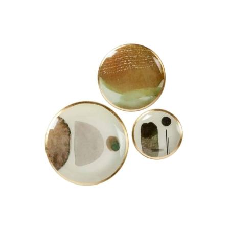 Deze abstracte set van 3 deco bordjes Dini komen uit de collectie van het Nederlandse merk WOOOD Exclusive.