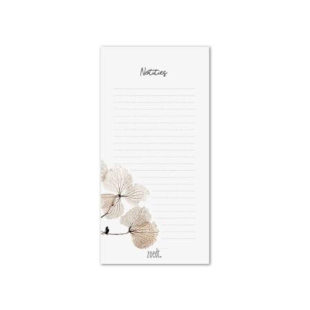 Mooi notitieblok met afbeelding gedroogde bladeren.